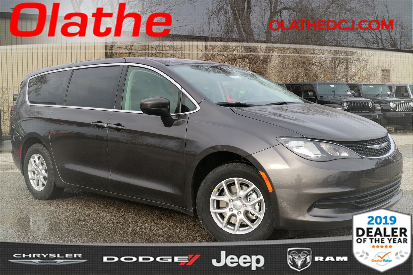 New 2019 Chrysler Pacifica Lx Passenger Van In Olathe Kr628114